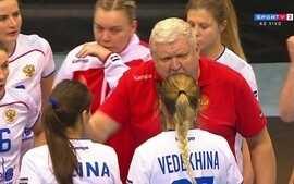 Técnico russo se descontrola e dá bronca em equipe de handebol no Mundial