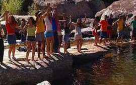 Farra na cachoeira