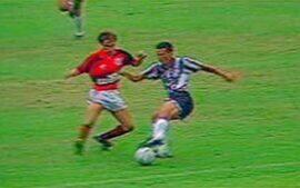 No Brasileiro de 1992, Flamengo e Botafogo empatam em 2 a 2