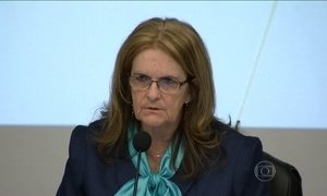 Presidente da Petrobras admite que foi informada sobre propina