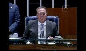 Renan Calheiros e Aécio Neves batem boca durante votação no Senado