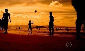 Sul-Americanos invadem praias de Florianópolis
