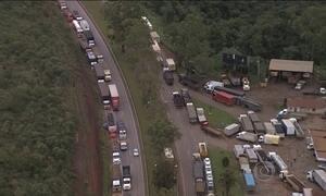 Protestos de caminhoneiros bloqueiam rodovias em 13 estados