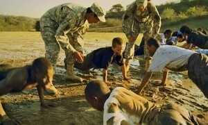 Acampamento militar para crianças indisciplinadas vira polêmica nos EUA