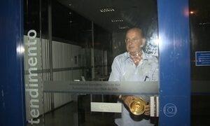 Idoso fica preso duas horas dentro de agência bancária