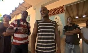 Imigrantes haitianos no Brasil sofrem com idioma e falta de qualificação