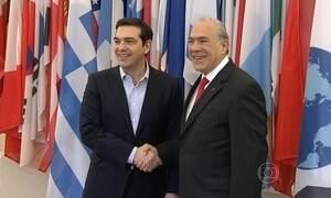 Grécia diz que pode usar pensão de aposentados para pagar dívida