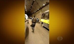 Homem é preso suspeito de assaltar motoristas dentro de túnel no Rio
