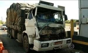 Polícia pede atenção a velocidade após acidentes em pedágios de SP
