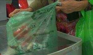 Supermercados de São Paulo vão dar até duas sacolinhas por cliente