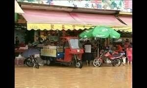 Tempestades matam oito pessoas e deixam cidades submersas na China