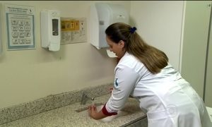 Mãos dos profissionais de saúde são a principal fonte de infecção hospitalar na UTI