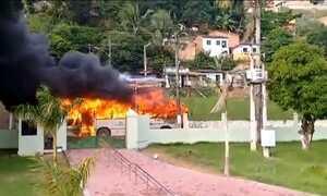 Três ônibus são incendiados em Maceió de madrugada