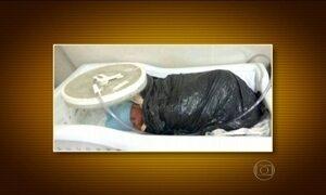 Bebês prematuros são transferidos de hospital enrolados em saco de lixo