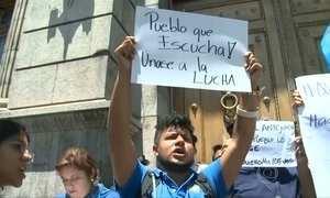 Presidente da Guatemala perde imunidade política
