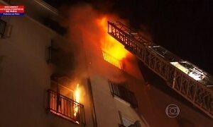Incêndio deixa oito mortos em Paris