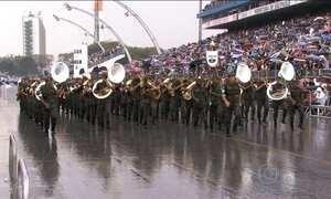 Feriado de 7 de Setembro é marcado por desfiles e protestos no Brasil