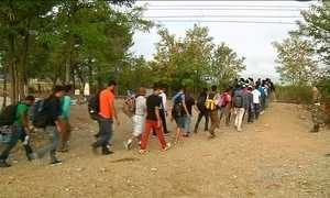 Refugiados encontram na Croácia rota para o norte da Europa