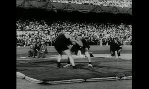 Confira como eram as competições olímpicas de luta e saltos ornamentais