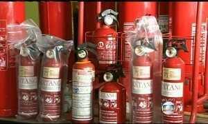 CNT acaba com a exigência de extintor de incêndio em carros