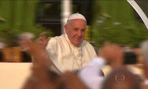 Papa Francisco se reúne a portas fechadas com ex-presidente cubano Fidel Castro
