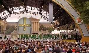 Papa Francisco reúne multidão de fieis em missa nos Estados Unidos