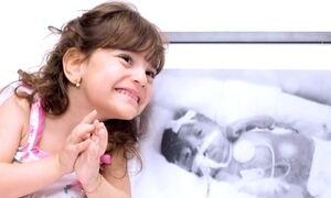 Crianças que nasceram prematuras mostram fotos de quando eram bebês