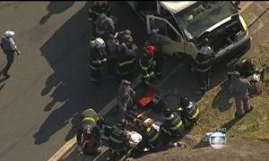 Van transportando crianças especiais sofre acidente em São Paulo