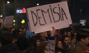 Primeiro-ministro da Romênia renuncia ao cargo depois de tragédia em boate
