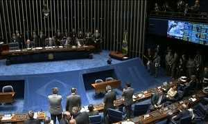 Delcídio do Amaral recebe salário de mais de R$ 30 mil mesmo licenciado