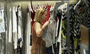 Brasileiros vão deixar compras de Natal para a última hora este ano