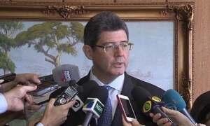Levy admite que corre risco de sair do governo