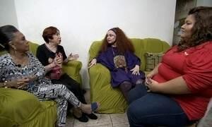 Elke Maravilha, Berta e Vilma ajudam cabeleireira a recuperar a autoestima
