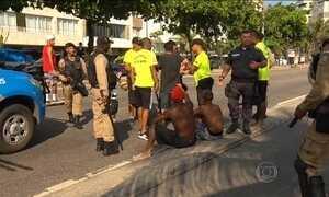 Roubos e assaltos assustam banhistas na Praia de Ipanema, no Rio