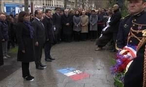 Presidente da França presta homenagem às vítimas dos atentados de janeiro em Paris