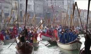 Carnaval de Veneza tem segurança reforçada por causa do medo do terrorismo