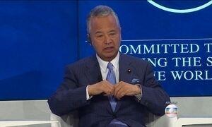 Ministro japonês renuncia após ser acusado de receber propina de construtora