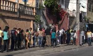 Empresa de segurança abre vagas no Rio e atrai multidão
