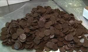 Governo aumenta imposto para chocolate, sorvete, fumo e ração de animais