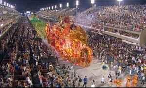 Veja como foi primeira noite de desfiles do Grupo Especial do carnaval carioca