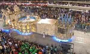 Portela faz desfile inovador e sai da Sapucaí como uma das favoritas ao título