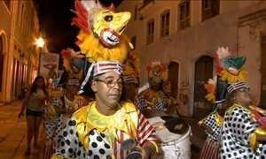 Mistura de ritmos e sons ecoa pelo centro histórico de São Luís no carnaval do Maranhão