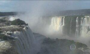 Chuva aumenta vazão das Cataratas do Iguaçu