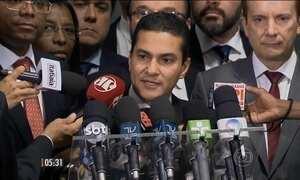 Partidos deixam a base aliada após divulgação de grampo telefônico