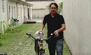 Engenheiro desempregado vira socorrista de bicicletas
