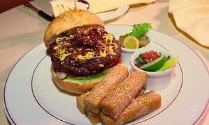 Hotel em Abu Dhabi oferece hambúrguer salpicado de ouro