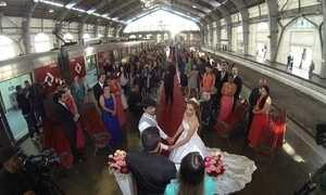 Estação vira altar para casamento em São Paulo