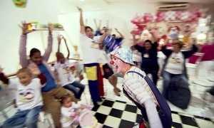 Projeto Felicidade proporciona diversão a crianças com câncer