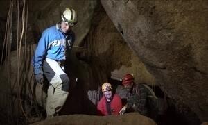 Hoje é dia de ir pra debaixo da terra: a maior caverna de granito do Hemisfério Sul