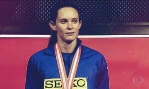 Fabiana Murer voa alto no salto com vara e é esperança de medalha